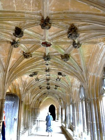 Fox Talbot Museum at Lacock Abbey: Cloister at Lacock Abbey