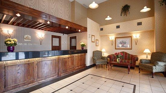 Best Western Halton Hills: Hotel Lobby