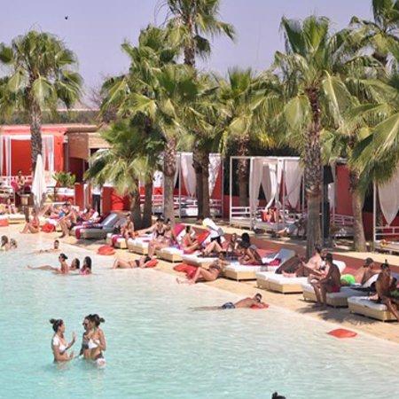 La plage rouge restaurant marrakech avis restaurant for Le jardin 32 route sidi abdelaziz marrakech 40000