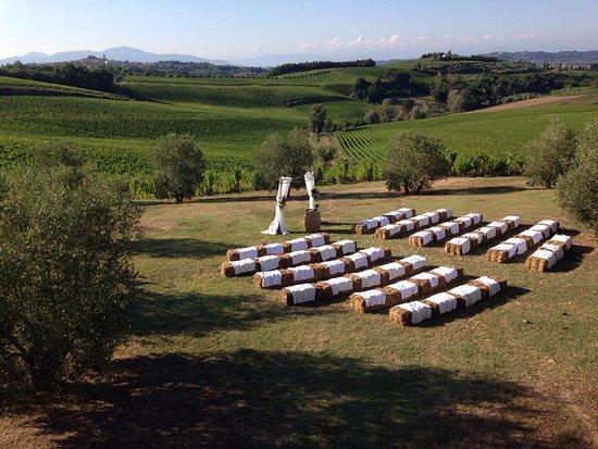 Castagnole Lanze, Italia: Spazio davanti