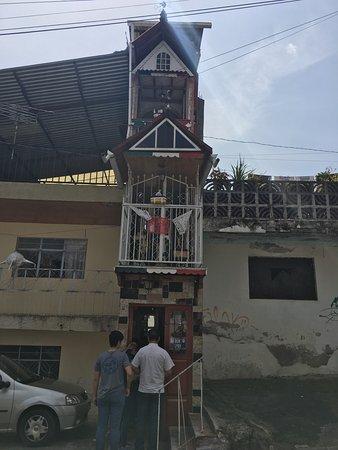 La Casa mas Angosta