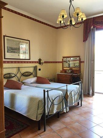 Pinto-Storey: Room #14
