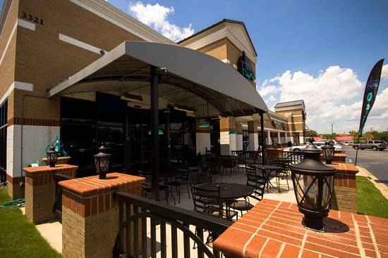 Anderson, SC: Dog Friendly Patio