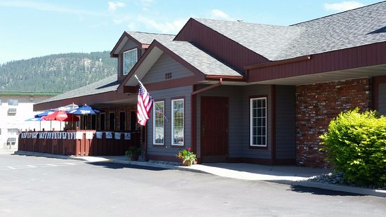 Colville, WA: South Main Restaurant & Sports Bar - 993 S Main Street