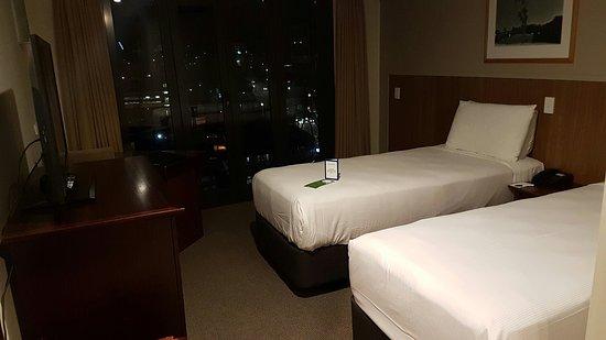 Copthorne Hotel Auckland City: 20160728_220642_large.jpg