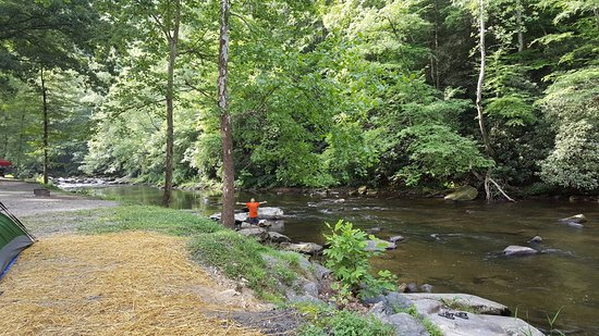 River Valley RV Park & Campground: Get a campsite on the river.