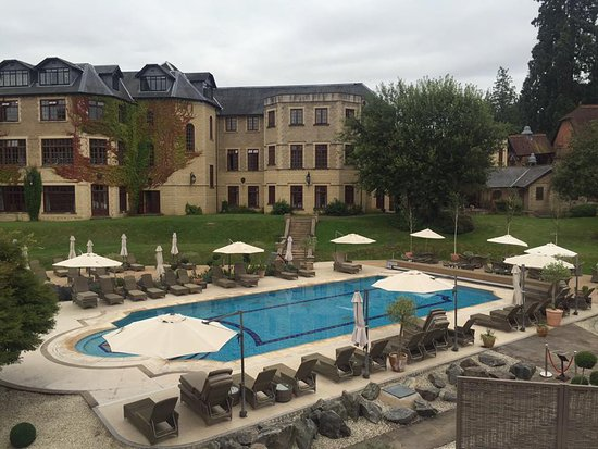 Pennyhill Park, an Exclusive Hotel & Spa: Big and beautiful