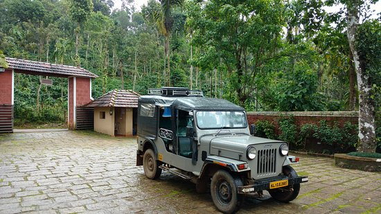 Rippon Mount Resorts: Jeep provided for sightseeing by the resort
