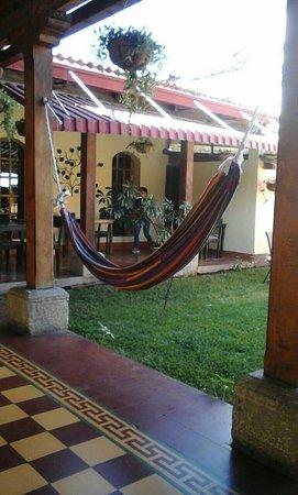 Hostal El Pasar de los Anos : Tiene un patio muy bonito.