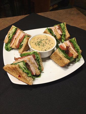 Blue Mountain Smokehouse Grille: Turkey Club