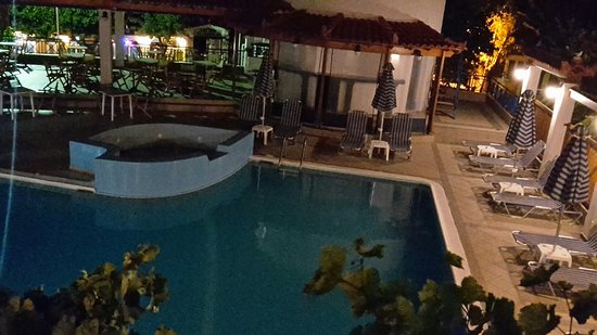 Votsalakia Hotel: 20160628_001327_large.jpg