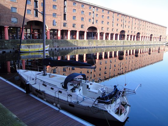 Liverpool History Taxi: Dockside
