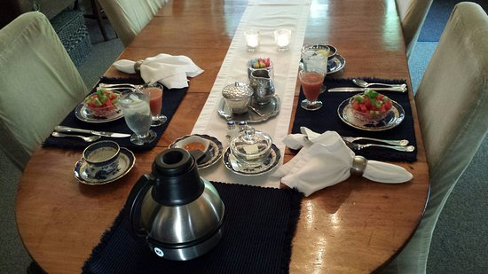 1795 Acorn Inn: Beautiful & delicious start to the VERY BEST breakfast!
