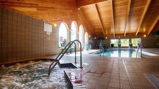 Chilton, WI: Hot Tub