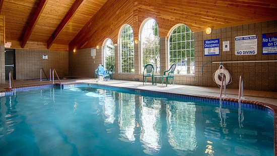 Chilton, WI: Indoor Swimming Pool