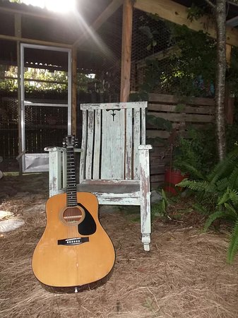 Inglis, FL: Bring your guitar!