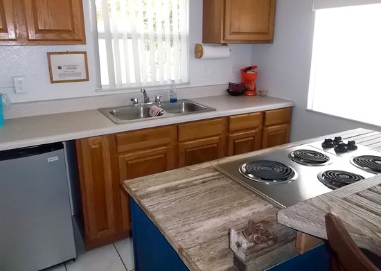 Inglis, Flórida: The Marlin Cottage has a full kitchen.