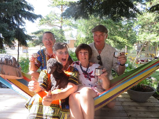 Glacier Park Bed and Breakfast: Fun on the hammock July 2016