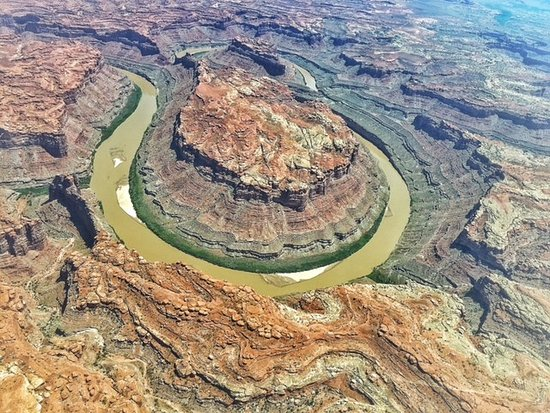 Moab Adventure Center - Day Tours: Ariel shot from the Cessna we were picked up in at the rivers end!