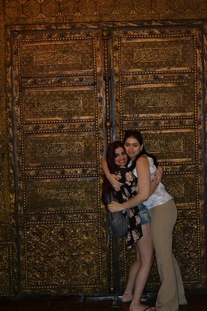 Hotel Figueroa: A picture with my sister in front of one of the beautiful doors you can find in the lobby