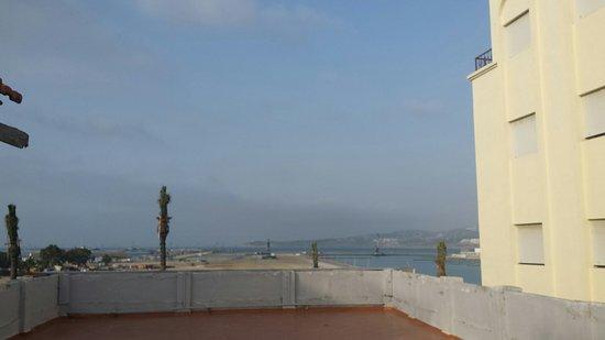 Hotel Biarritz: Terraza