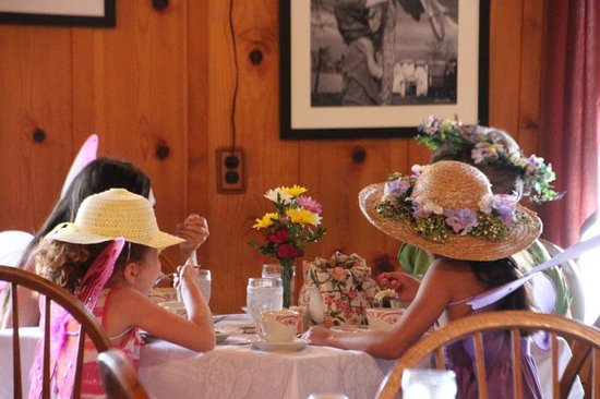 Orrtanna, PA: Children's Tea Party
