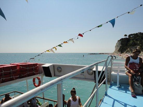 Traghettatori Riviera del Conero: A bordo