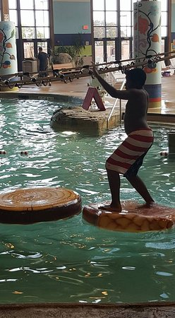 Soaring Eagle Waterpark and Hotel: Acorn and Log crossing