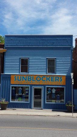 Lakefield, Kanada: Sunblockers, your swimwear specialists!