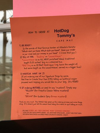 Hot Dog Tommy's: Waiting in line for Yumminess