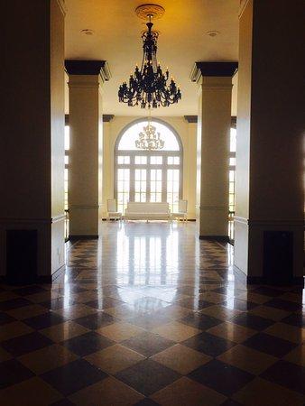 Berkeley Oceanfront Hotel: Upstairs hallway