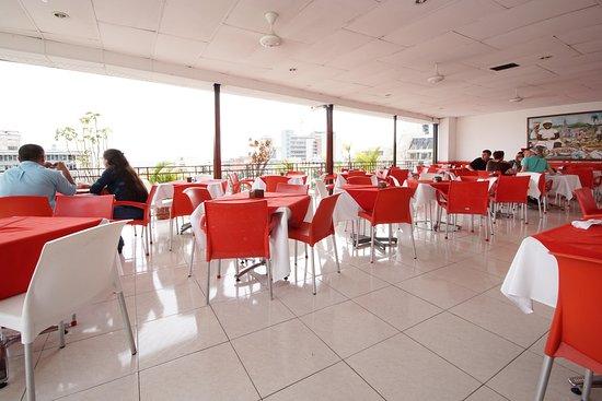 Hotel Royal Plaza: RESTAURANT VIEW