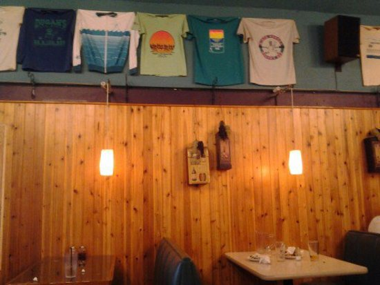Ocean Shores, WA: More shirts. In fact, the entire front portion of the restaurant has shirts displayed all over i