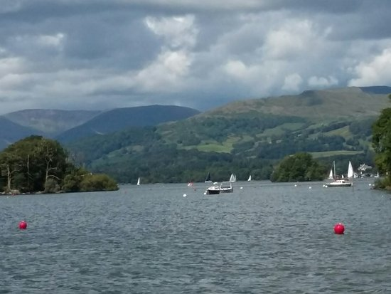 Bowness-on-Windermere, UK: 20160731_144131_large.jpg