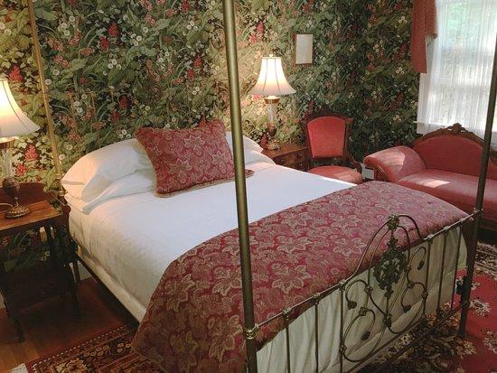 Hawthorne Inn: Punkatasset Room