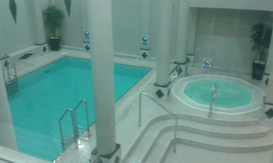 the alsaa gym provides a lovely bubble jacuzzi small but nice swimming pool sauna and steam ro