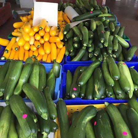 West Kelowna, Canada: Paynter's Fruit Market