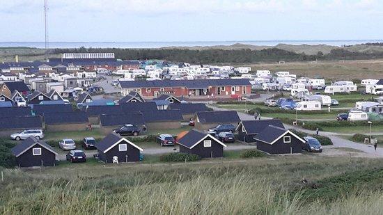 Mysig liten camping nära havet