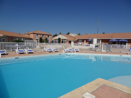 R sidence club odalys c t canal hotel salleles d 39 aude - Hotel narbonne plage avec piscine ...