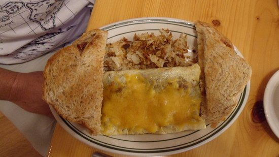 Fairfield, MT: Cozy Corner Omelet with Fresh made Bread