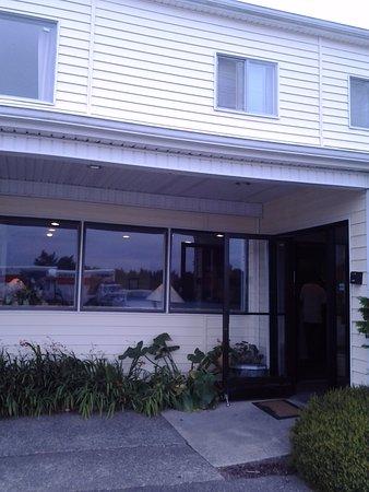 Ocean Shores, WA: The lobby/hotel entrance.