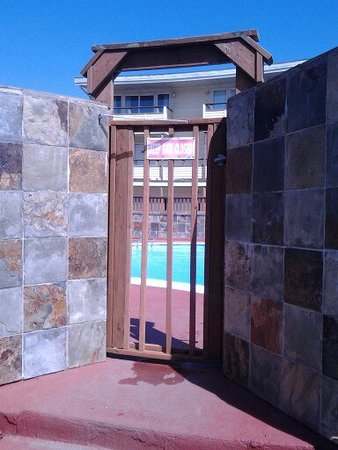 Ocean Shores, WA: The entrance to the pool. The pool was great.