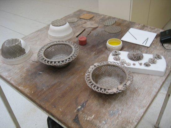Belleek, UK: Beautiful handmade 'spagetti' ceramic basket process explanation.