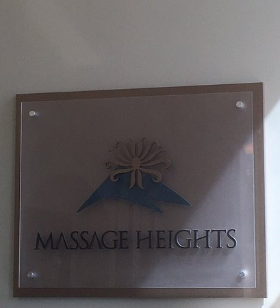 ‪Massage Heights‬