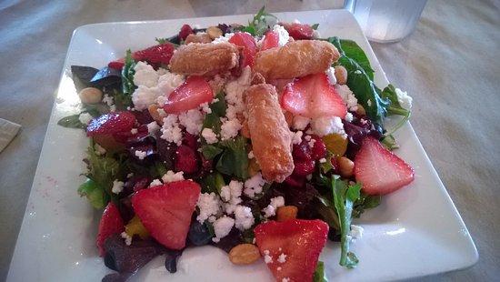 East Aurora, estado de Nueva York: Fall Creek Salad