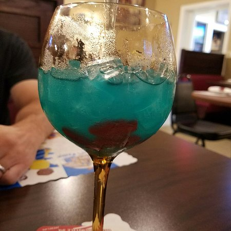 Fish bowl drink yes those are swedish fish in the for Fish bowls drinks