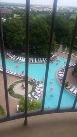 Ирвинг, Техас: View of the gorgeous resort pool from my room