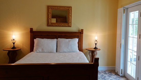 Spirit Lake, IA: The rooms with a queen bed have a shared veranda overlooking the grounds.