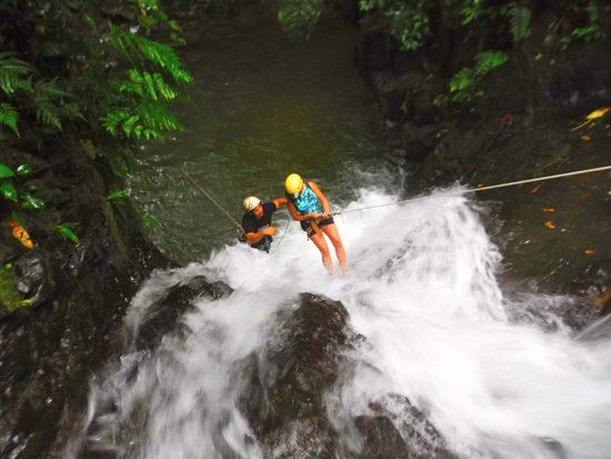 Costa Canyoning: Repelling down the waterfall