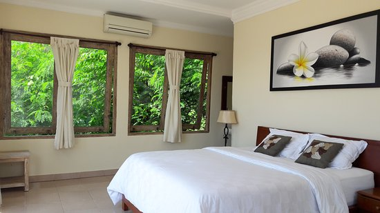 Ware Ware Surf Bungalows : One bedroom bungalow